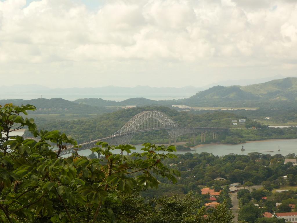 "Die Bruecke ""Puente de las Americas"" verbindet Nord- und Suedamerika"