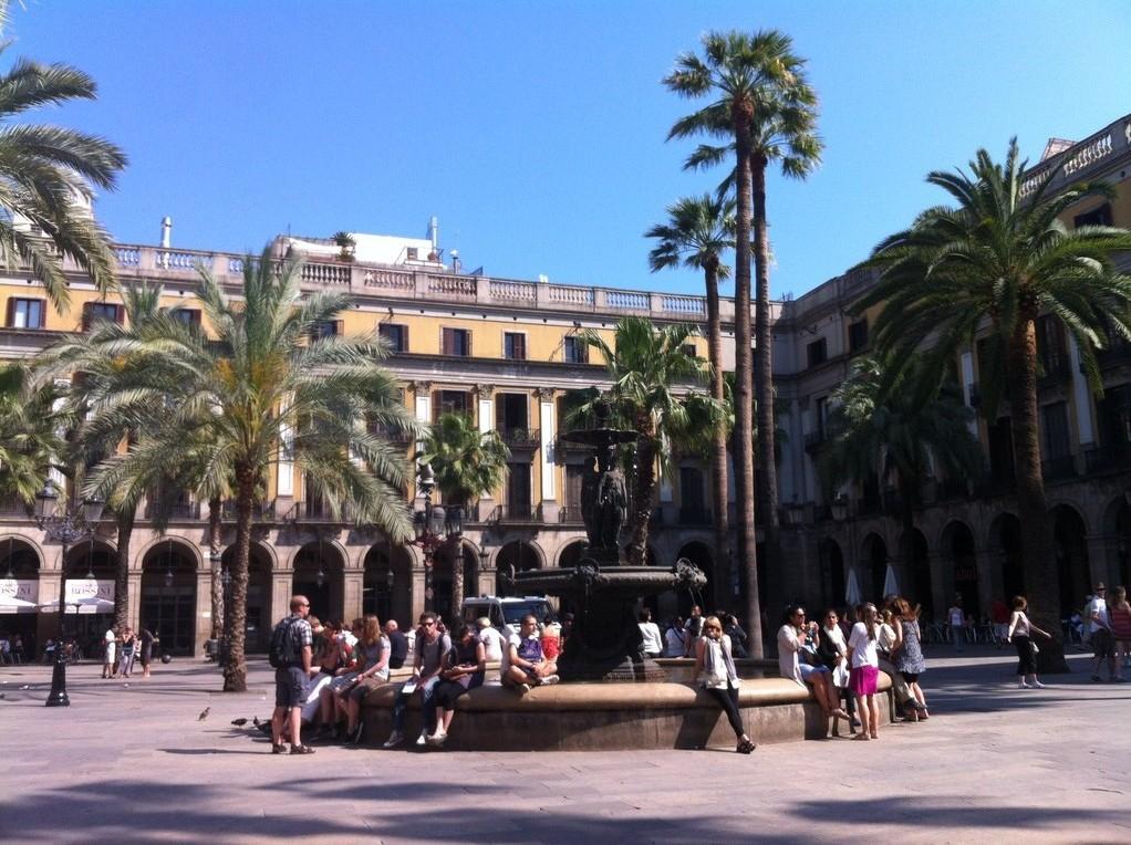 Plaza Real, der schönste Apéro-Ort