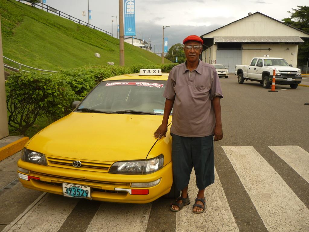 Unser sympathischer Taxifahrer, der nicht nur optisch sehr an einen Kubaner erinnert