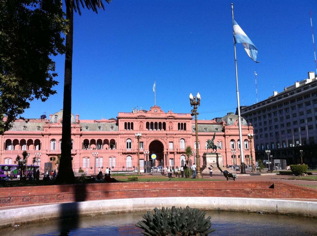 Die Casa Rosada von Aussen