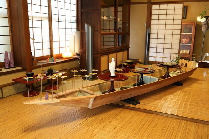 「渡し舟」江戸時代〜明治にかけて関西淀川や木津川で使われていたものを1/2スケールで復元したもの
