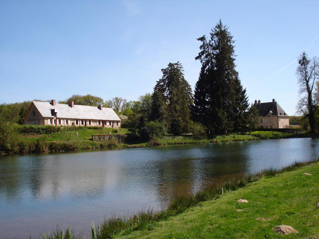 L'étang de la Verrerie et la longère des Verriers
