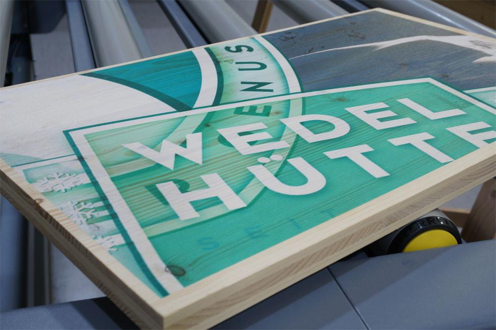 Direktdruck auf Holz für die Wedelhütte, Hochzillertal
