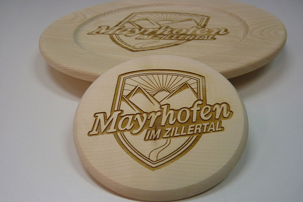 präzise Lasergravuren auf Holz, Acrylglas, Metall,