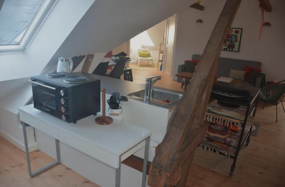 Die kleine Küche, im großen offenen Raum
