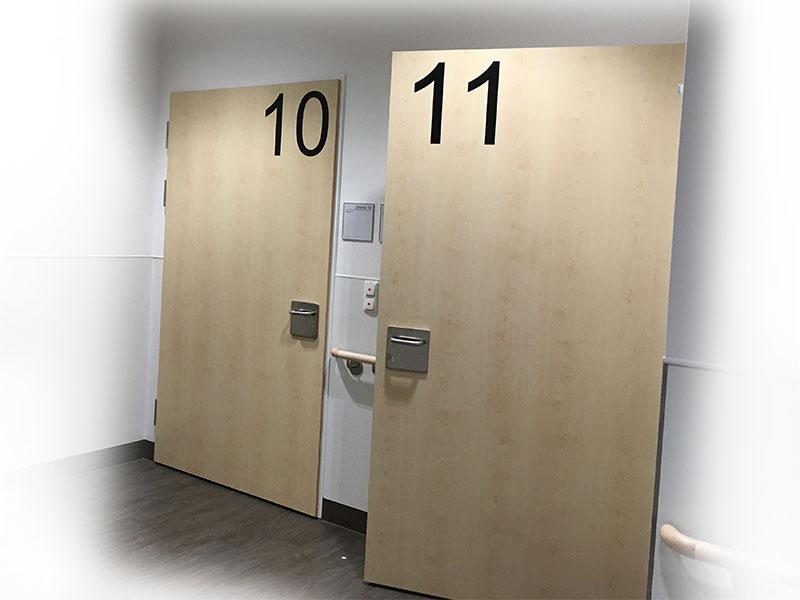 Türbeklebung Zimmernummern, schwarz matt