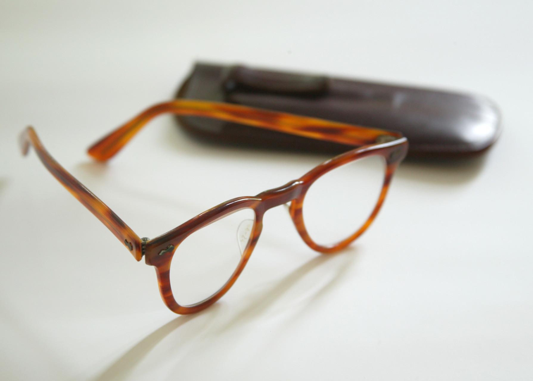 © CAMERA WORK · John F. Kennedy's reading glasses