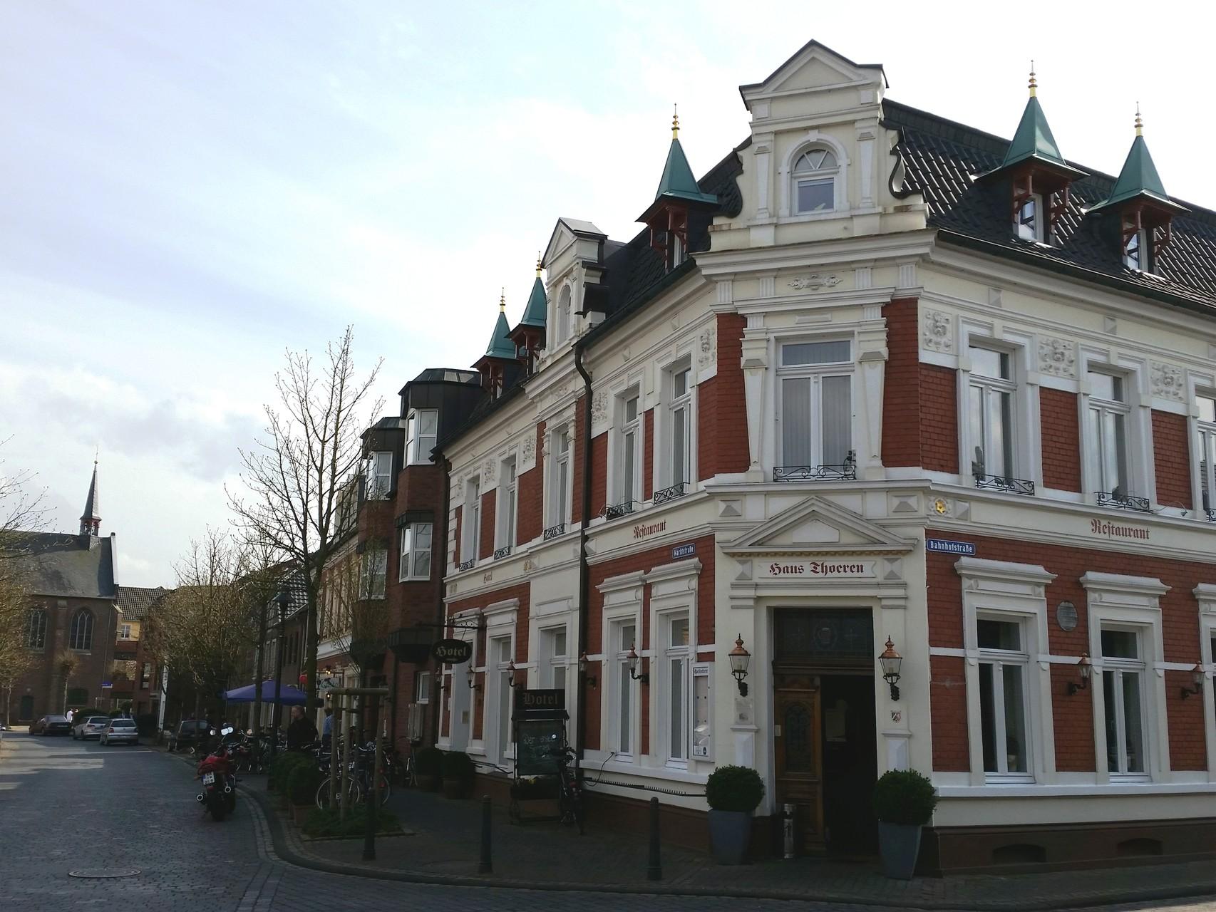 Hotel und Restaurant Haus Thoeren am Marktplatz / Ecke Bahnhofstraße