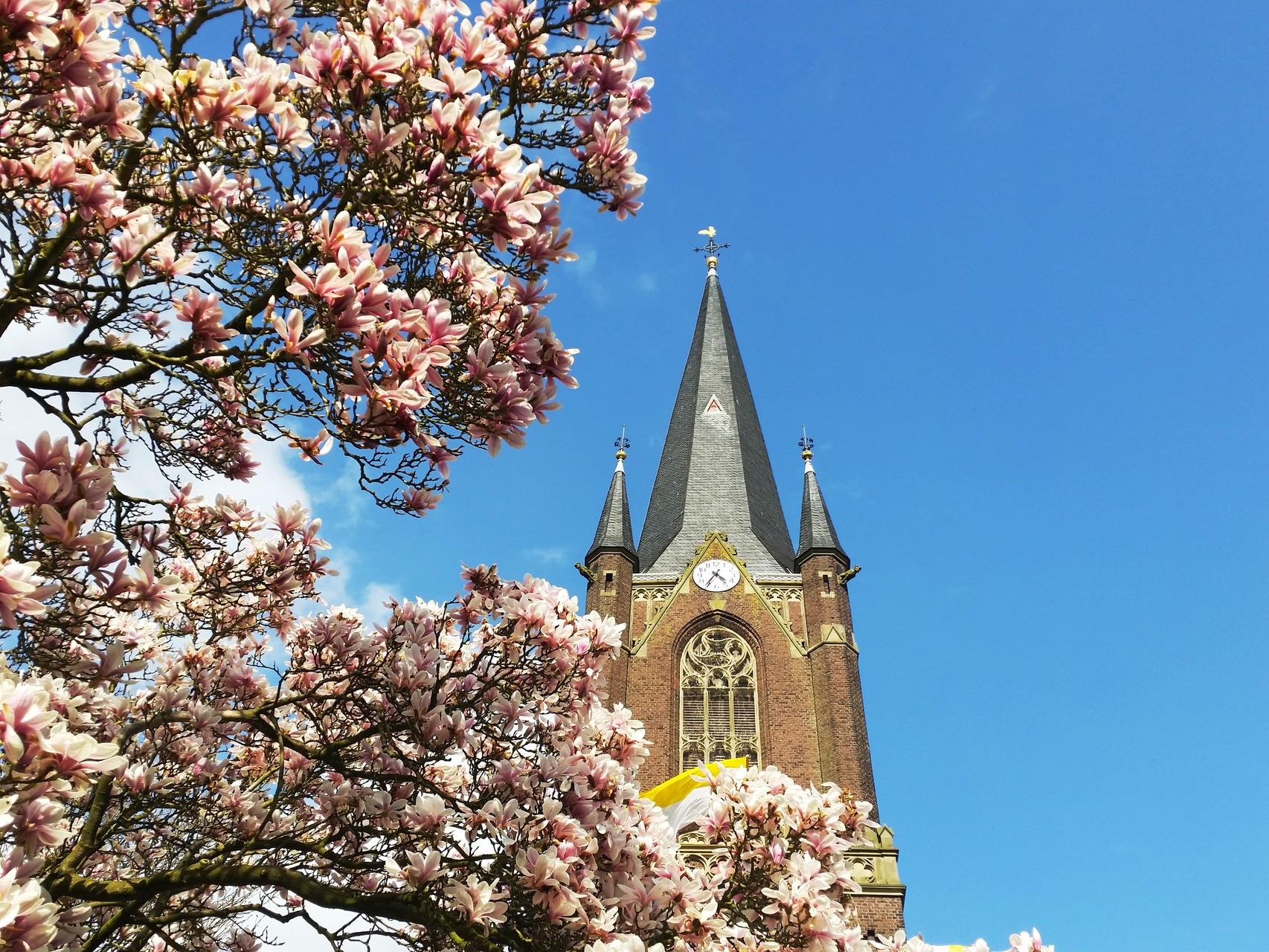 Kirchturm Katholische Pfarrkirche St. Peter & Paul