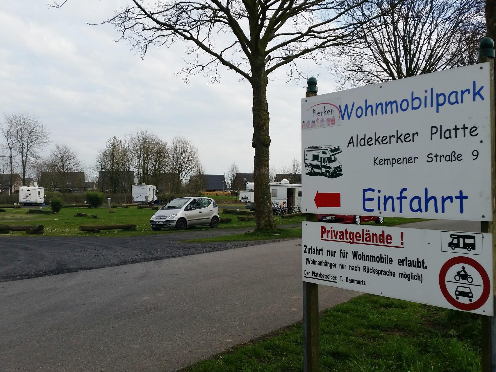 """Reisemobilstellplatz """"Aldekerker Platte"""""""
