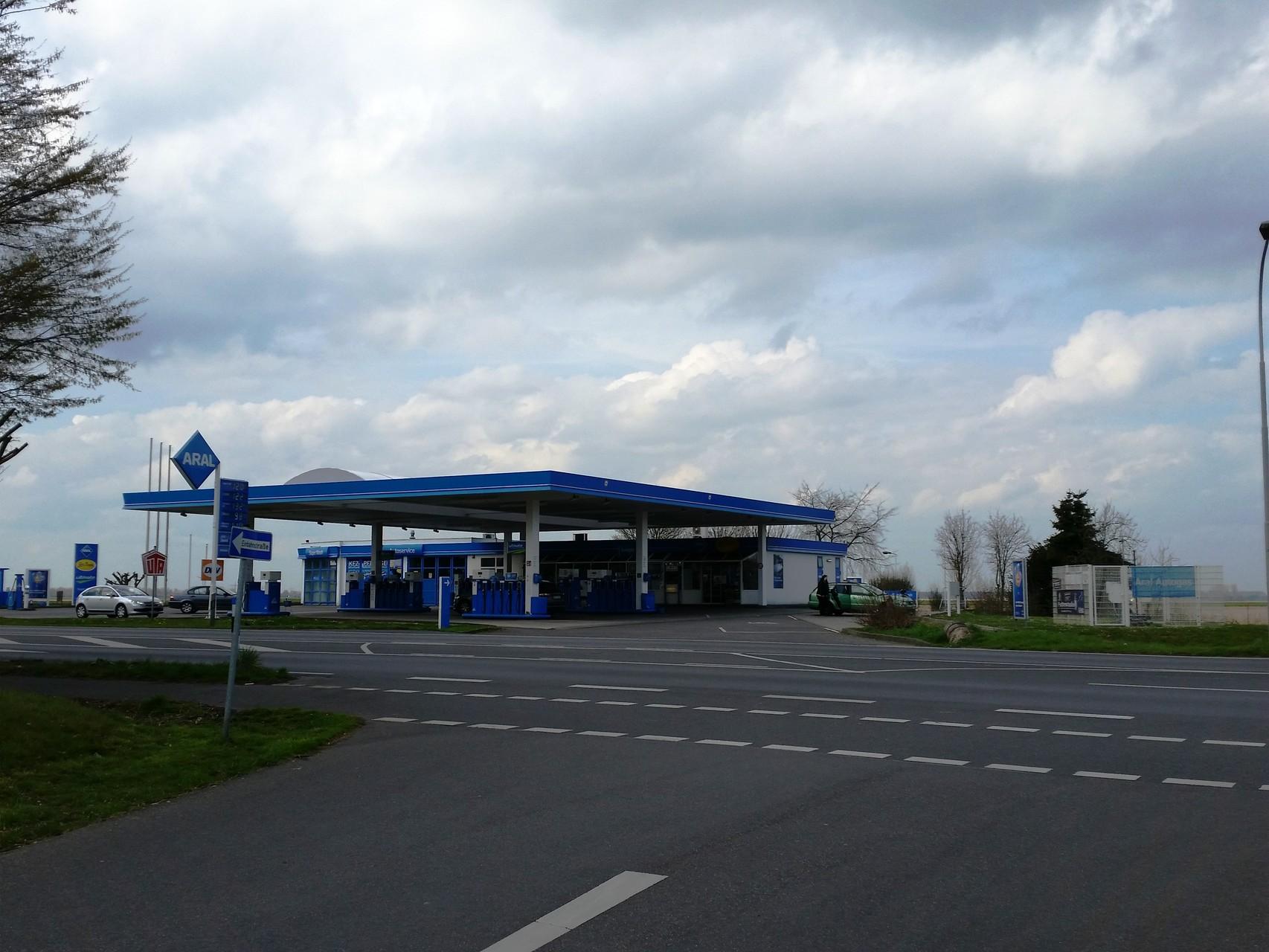 ARAL-Tankstelle, auch mit Autogas (LPG)