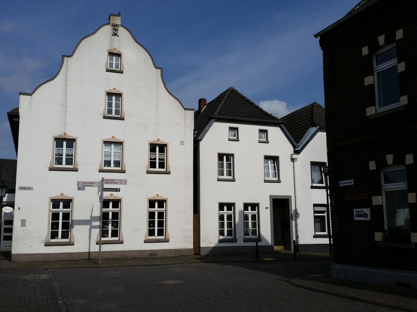 Historische Häuser an der Ecke Hochstraße / kleiner Markt