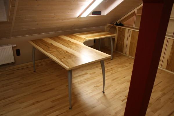 Schreibtischplatte furniert mit Kernahorn, Metallgestell