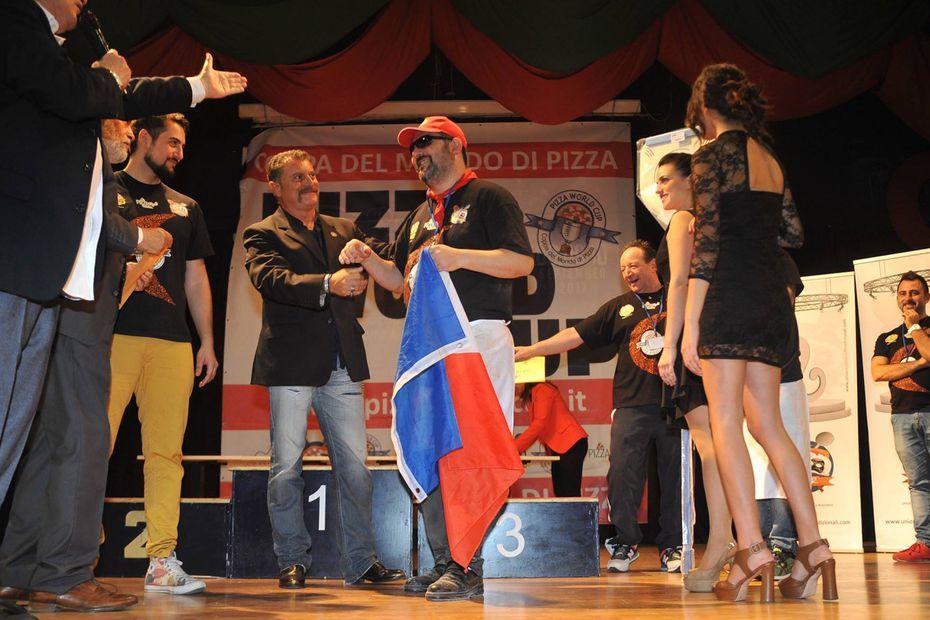 Laurent Raimondo, champion du monde de pizza en Italie