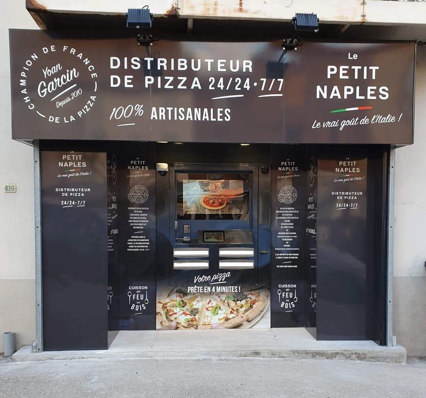 Premier distributeur automatique de pizza pour Le Petit Naples en Auvergne !