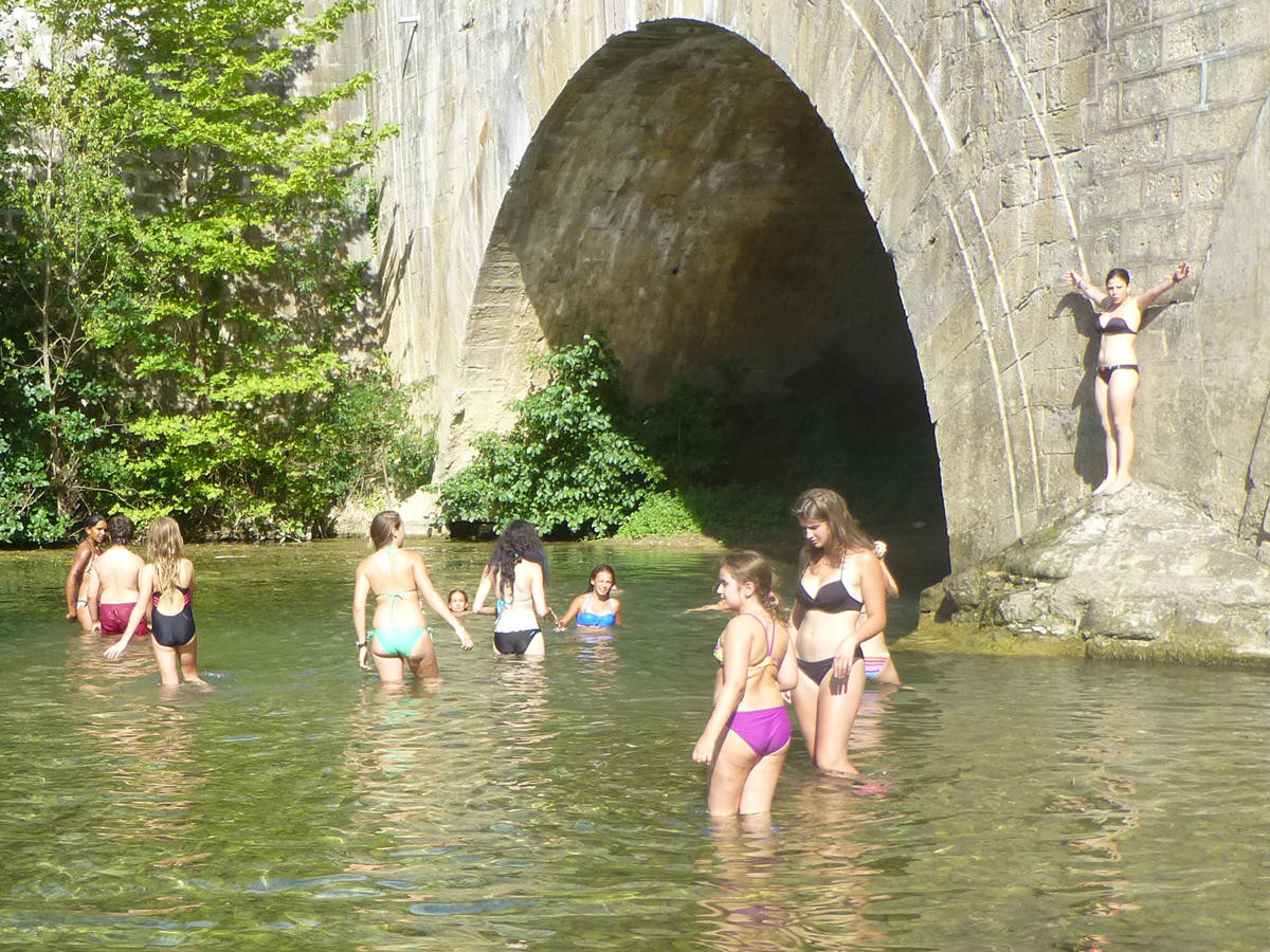 Bain à la Rivière de la Cesse