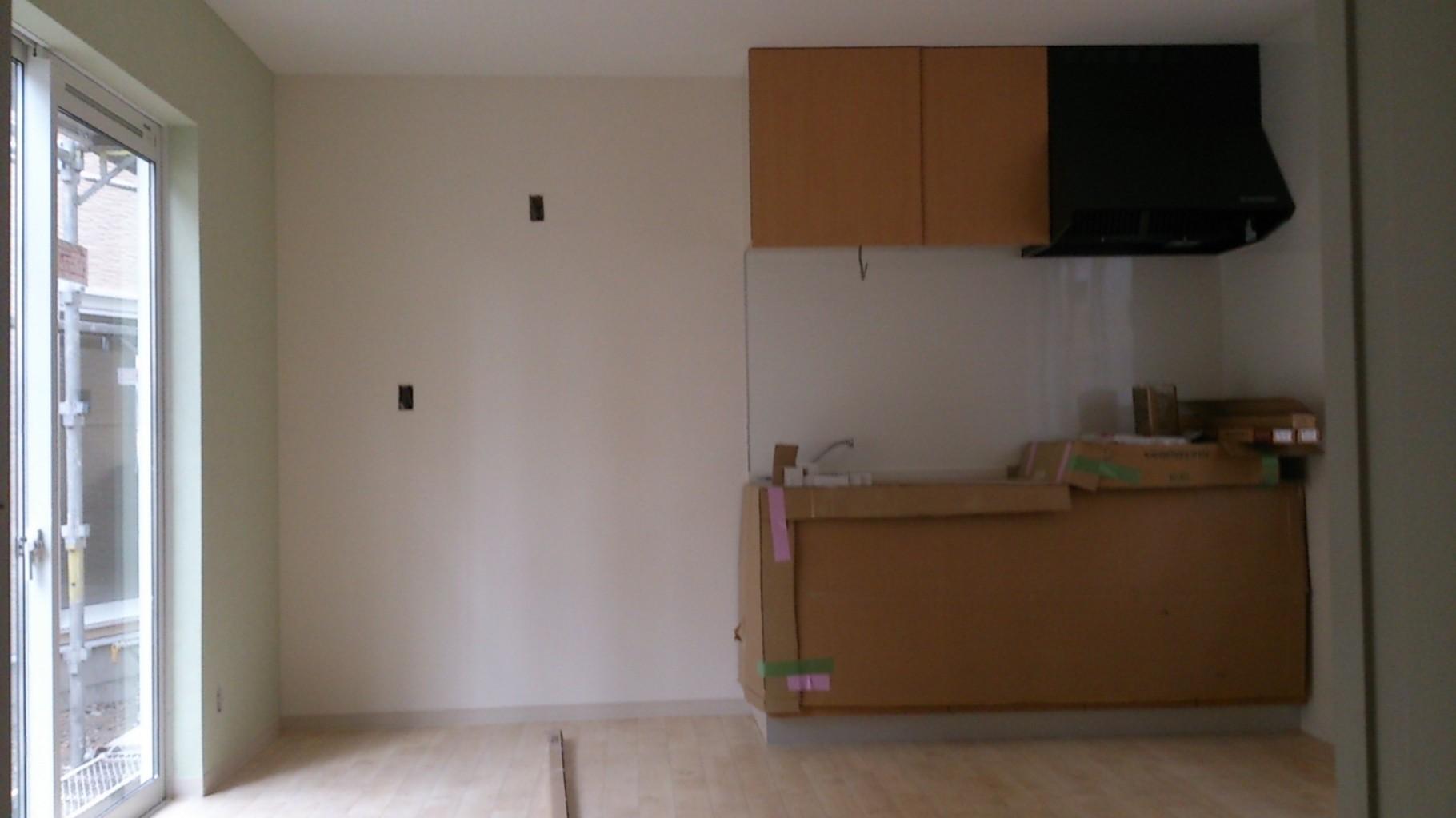 14/12/12 テラスハウスのキッチンがつきました