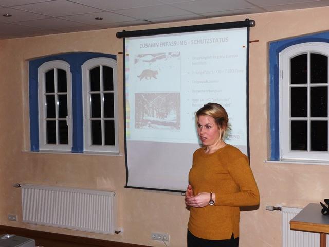 Wildkatzenexpertin Susanne Schneider vom BUND Hessen