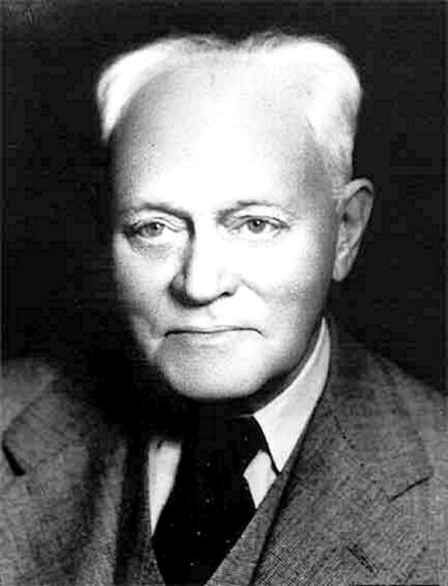 Dr. William D. Silkworth, który leczył Billa w Towns Hospital. Uświadomił mu, że alkoholizm nie jest upadkiem moralnym ale obsesją mentalną z alergią