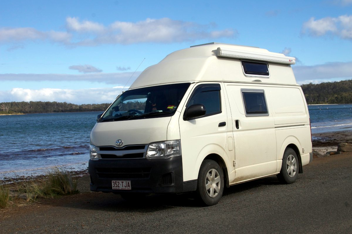 Toyota Hiace LWB Hitop roof conversion