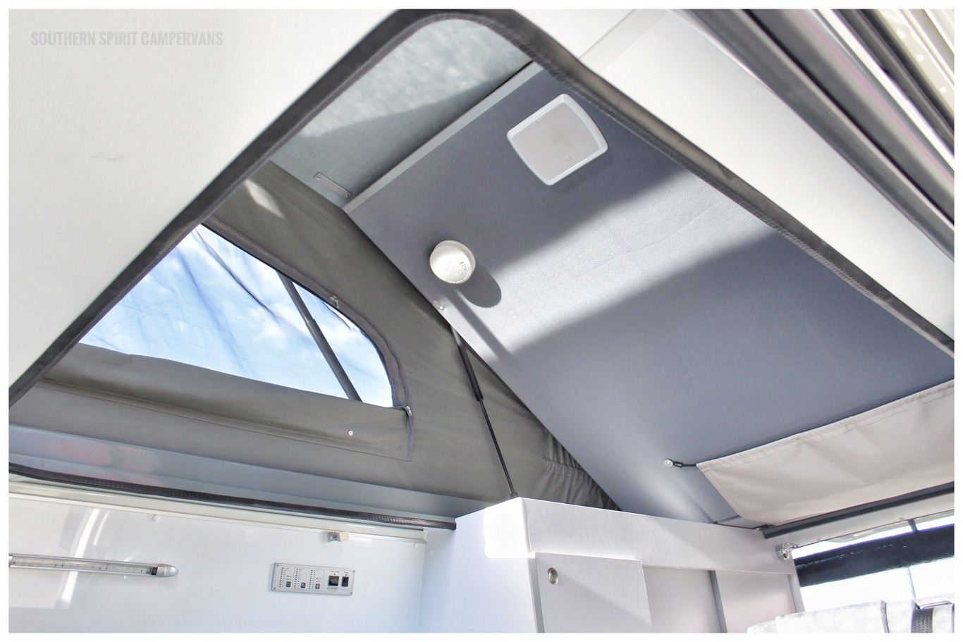 Hiace roof, easy to lift and upper bed also lifting out of the way when not in use
