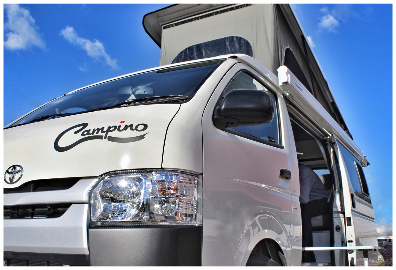 spacious, with internal standing ehight of 2.3m in the front area