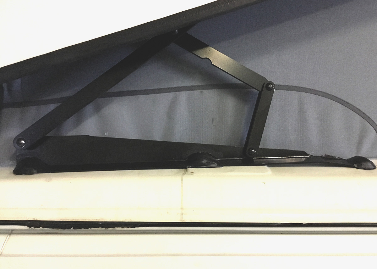 detail German elevated roof VW T3
