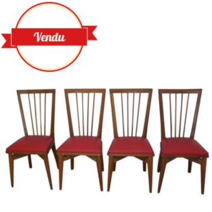 Chaises 1960 chéne, simili cuir rouge, dossier haut a rayons