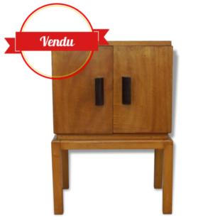 meuble,buffet,petit,scandinave,vintage,1950,1960,bout de canapé,table,d'appoint,chevet,meuble d'entrée,chambre,enfant