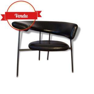 Divi Divi Leolux Lounge chair par Mark Von Tilburg cuir, divi divi,mark von tilburg,leolux,fauteuil,cuir,noir,galet,design,vintage,iconique,métal,asymétrique