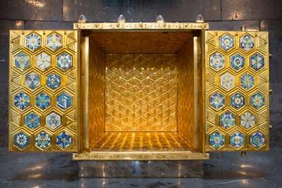 Geöffneter Tabernakel mit innenseitiger Vergoldung _ Foto: Walter Wetzler