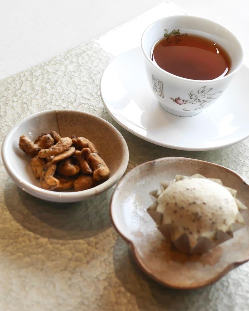ディンブラ茶葉のマーラーカオとカシューナッツ