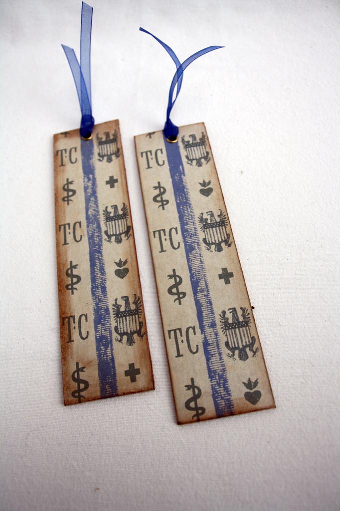 Lesezeichen aus alten Buchdeckeln