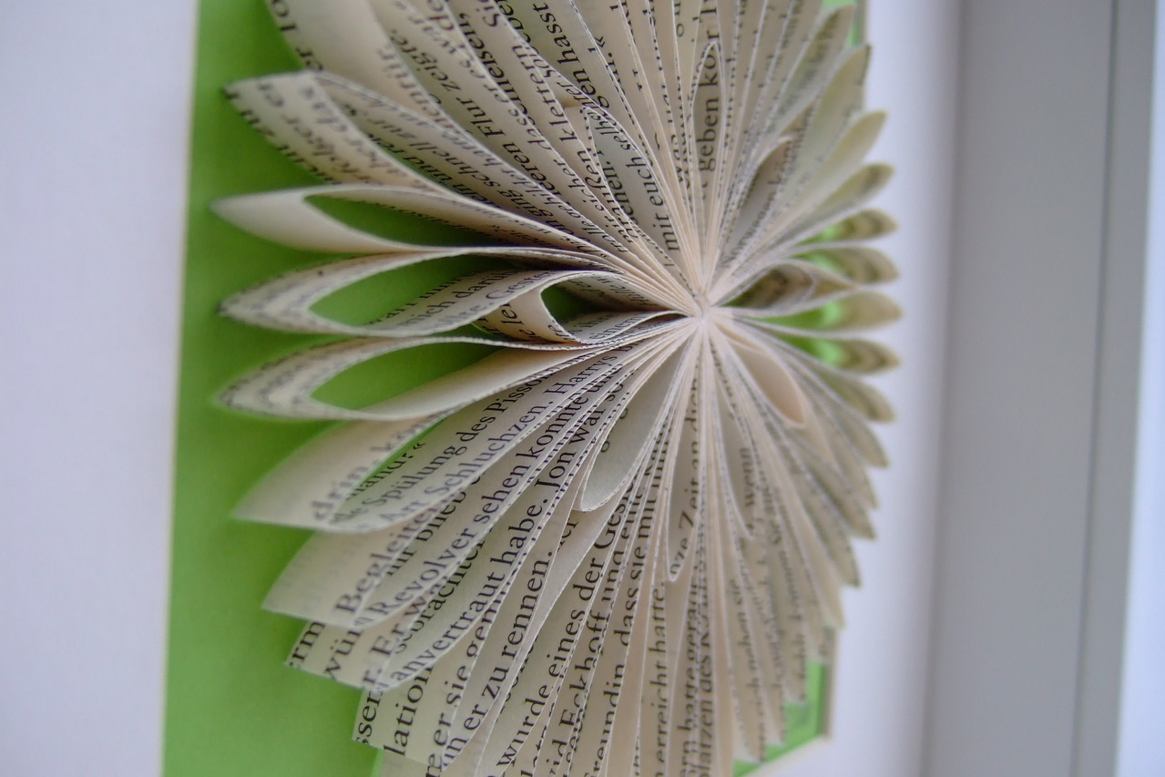 Buch-Blume ca. 12cm Durchmesser,  25,00€