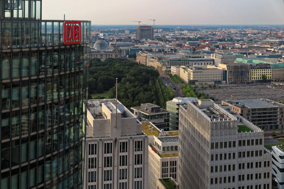 Berlin - Potsdamer Platz - Blick auf das Brandenburger Tor