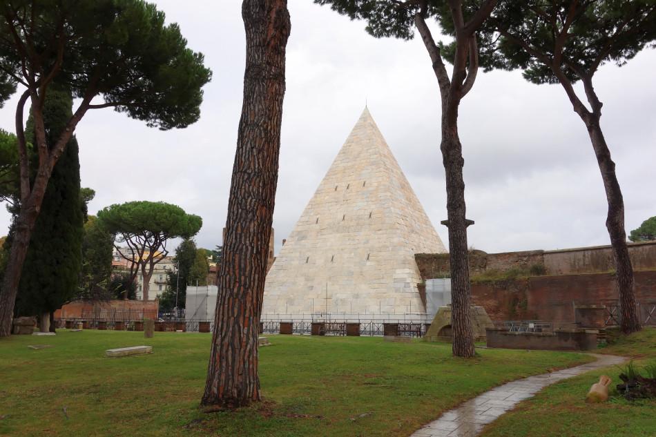 Rom, Cestiuspyramide, protestantischer Friedhof, Cimitero acattolico