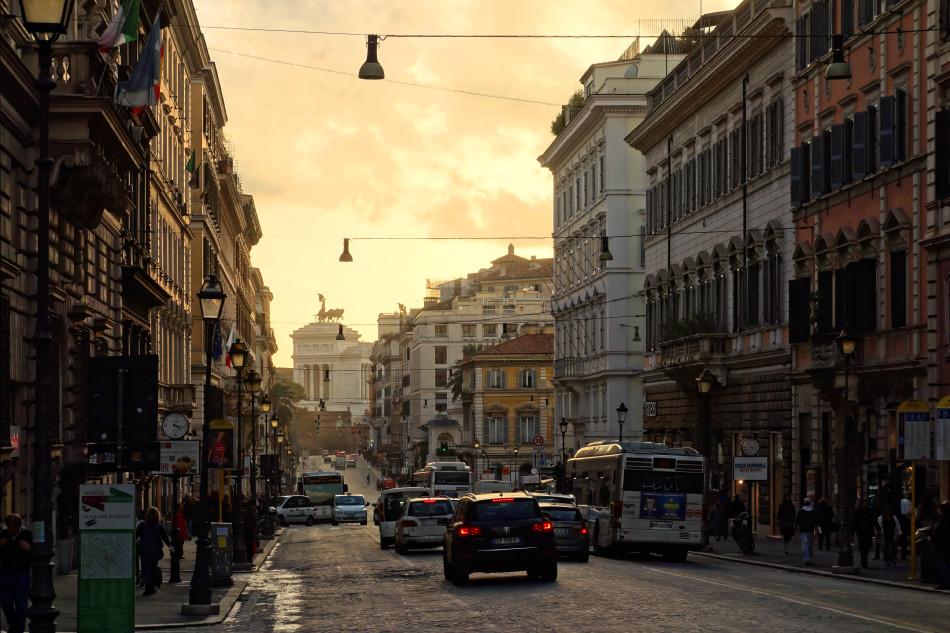 Rom - Via Nazionale mit Blick auf das Nationaldenkmal