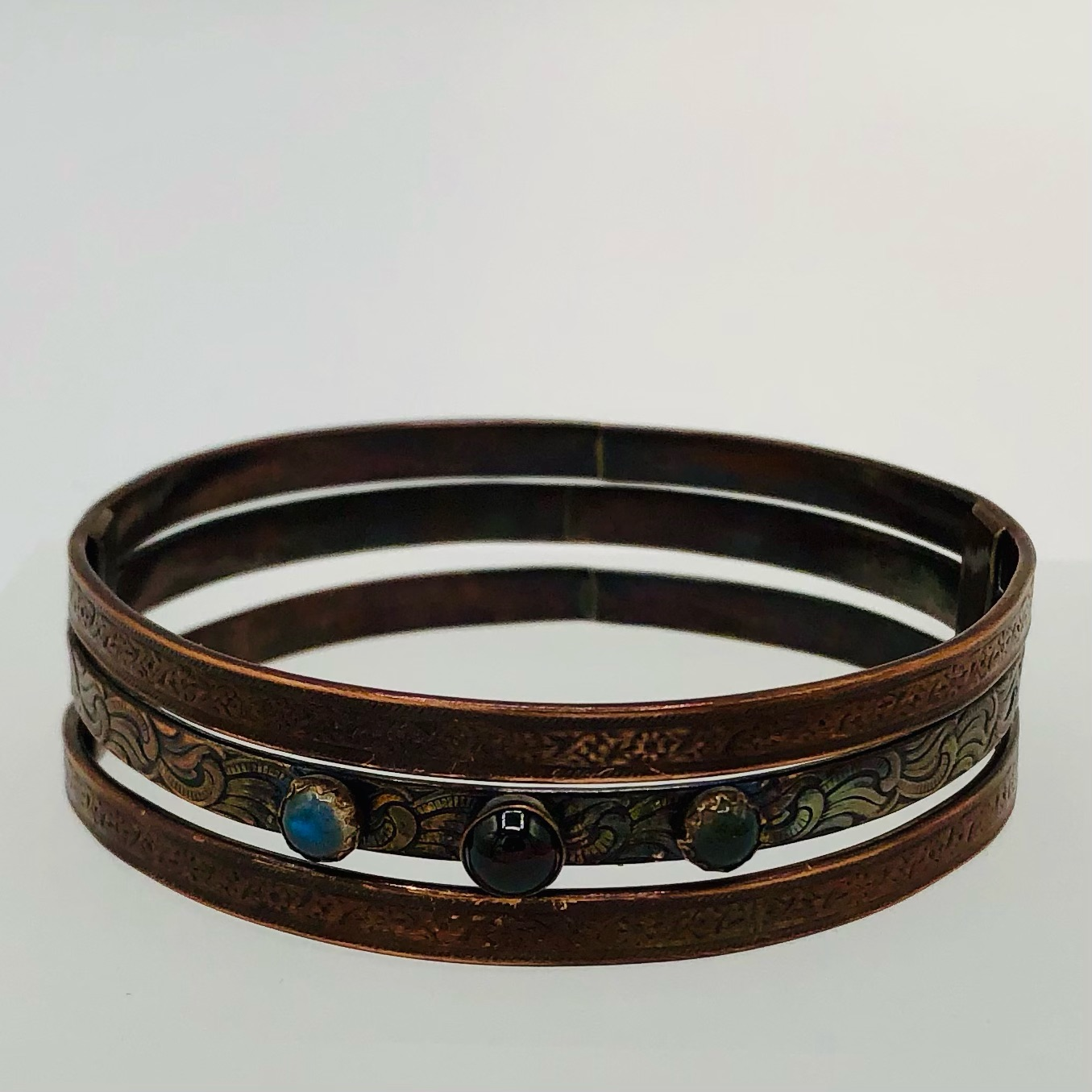 SPINNER BANGLE- copper with garnet and labradorite cabochons 70-