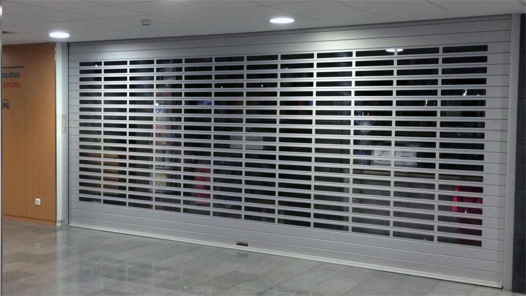 Puerta enrollable Aluminio Máxima visión Comercio
