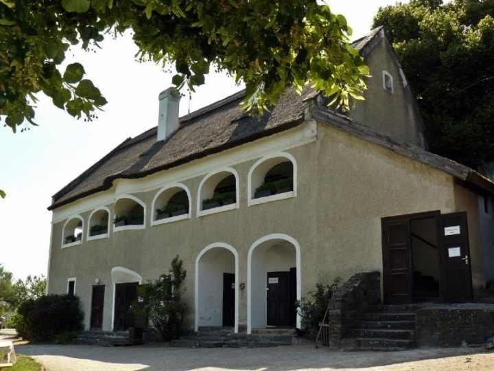 Róza-Szegedy-Haus (c) János Békássy