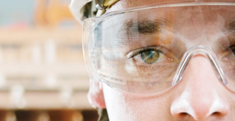 Riesgos visuales y oculares en el trabajo