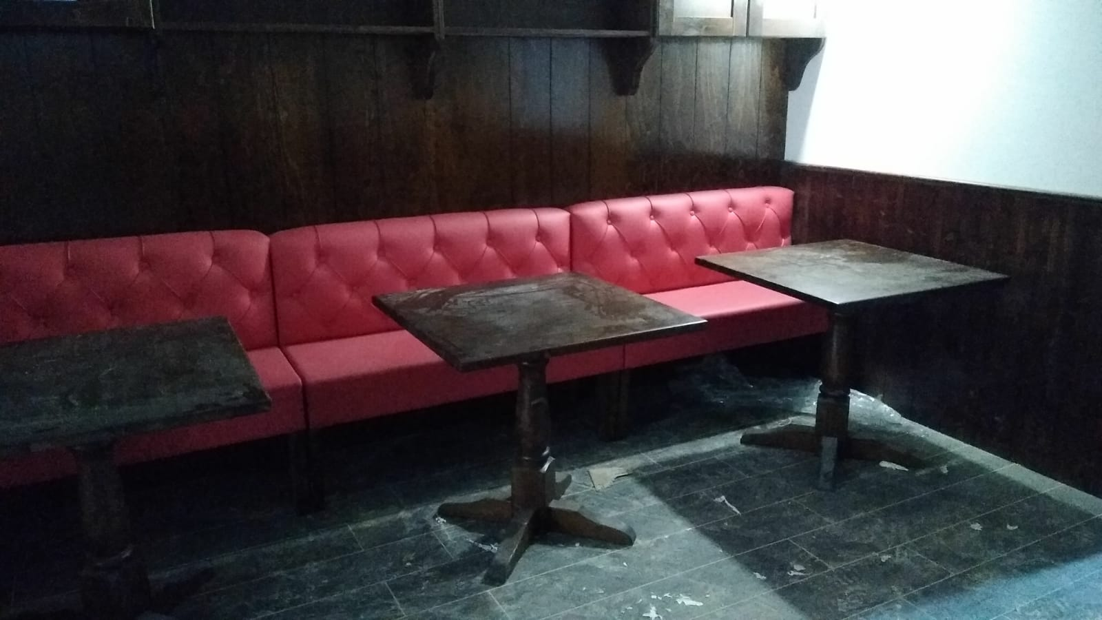 Tavoli E Panche Per Bar.Panche E Divanetti Imbottiti Per Pub Arredo Bar Lounge Bar Bar