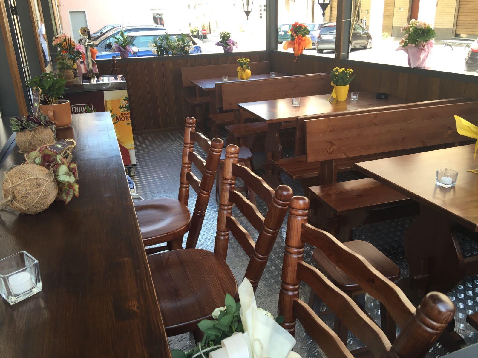 Panca in legno per pub per irish pub birreria pub su misura
