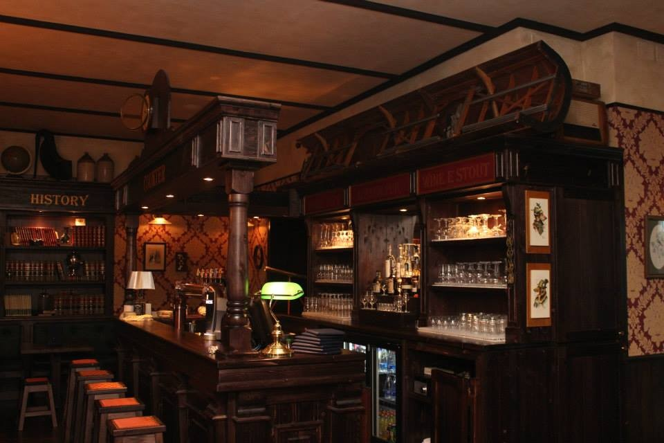 Arredo bar bar design arredo bar arredamenti completi for Arredamento per pub e birrerie