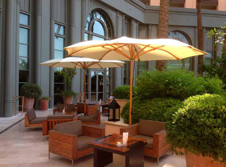 Tavoli Da Esterno Per Pub : Lettini per il mare e piscina strutture removibili ombrelloni per