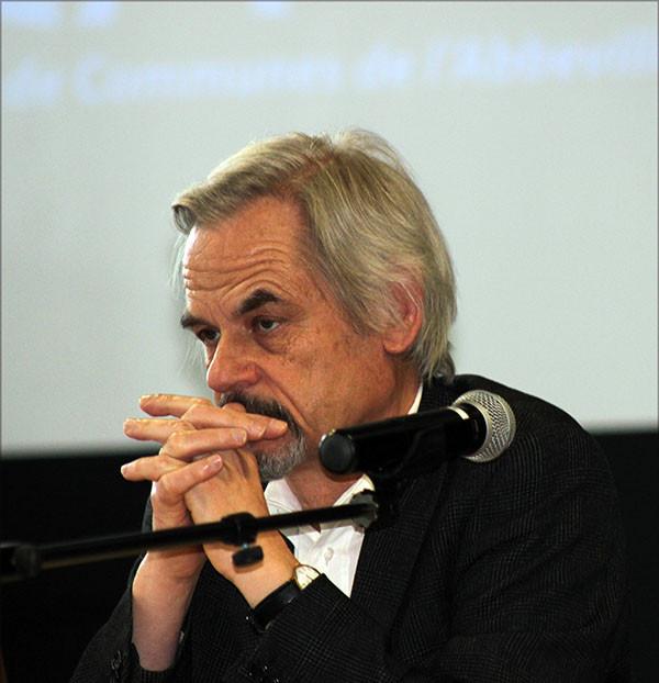 Martial Lengellé, maître de conférences à l'Université de Picardie Jules Verne, membre associé du Centre de Recherche : « Écritures de la Modernité » Paris 3 : Les pièces de théâtre de Robert Mallet ou Robert Mallet critique littéraire, homme de radio