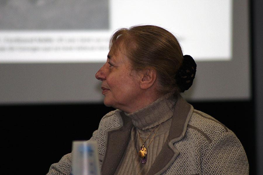 Violette Garnier, directrice du Conservatoire à Rayonnement Intercommunal de l'Abbevillois : Don de partitions au Conservatoire de musique d'Abbeville, devenu Conservatoire à rayonnement intercommunal de l'Abbevillois