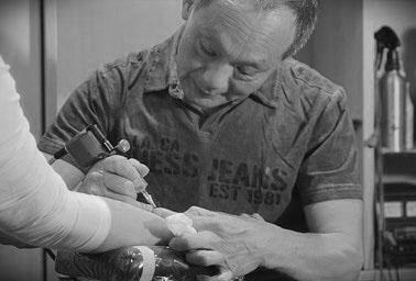 Art & Body Tattoo studio Tätowierer Köln Über Uns Chau Vuong Tätowierer Maori Tattoos polynesisch Stil Samoa NRW Hessen Rheinland