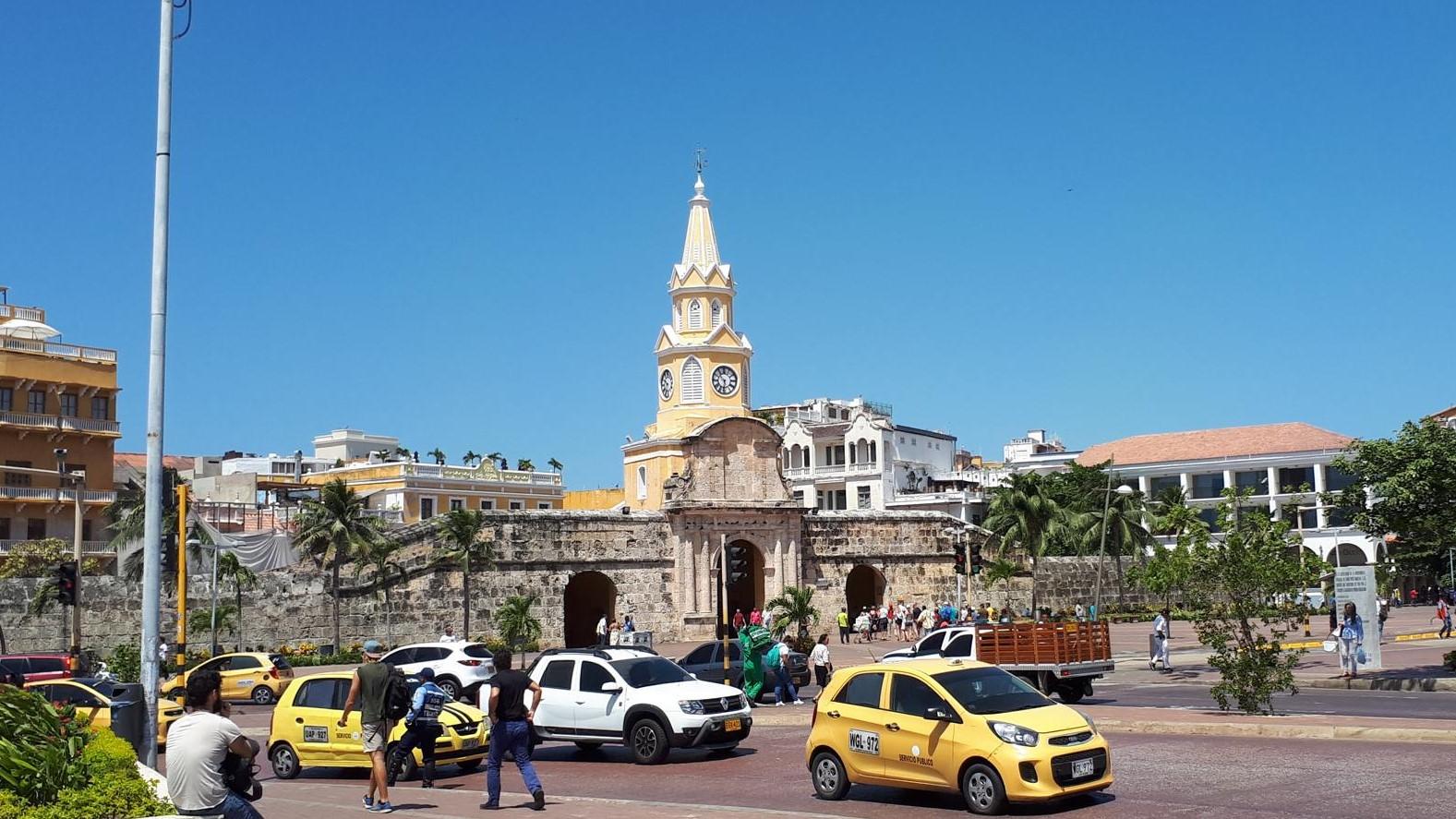 Plaza De La Paz - Eingang in die Altstadt