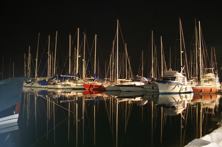 Marina Pomer nachts